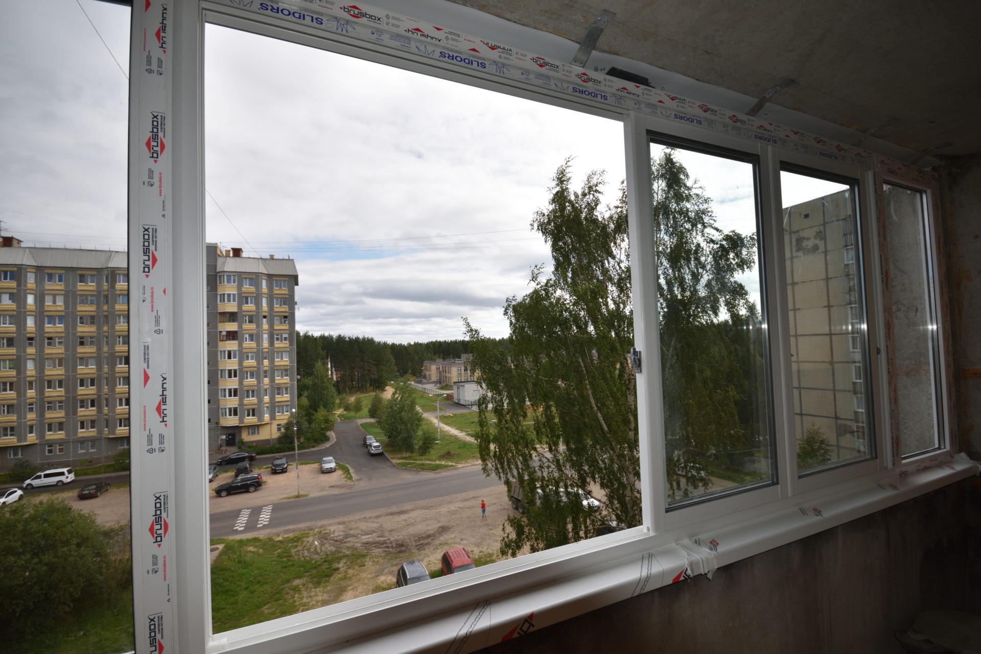Остекление балкона раздвижная система SLIDORS