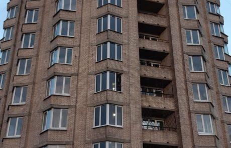 Остекление пожарной лестницы в общежитии.