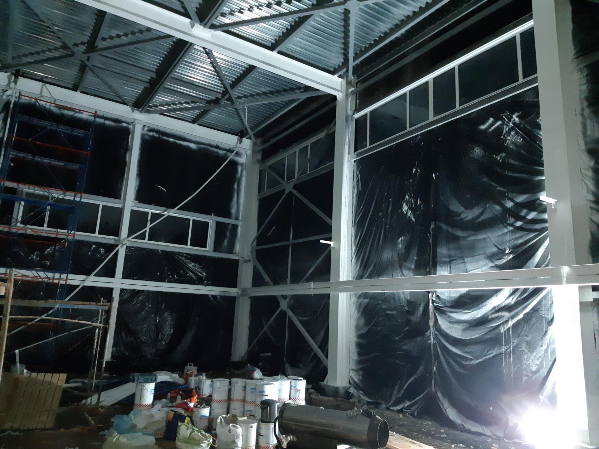 Остекление промышленного объекта. Окна 12 метров.
