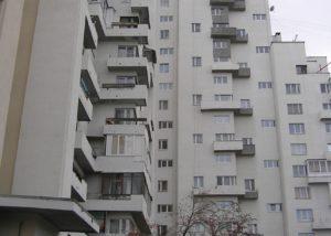 Замене оконных блоков при реконструкции фасада.